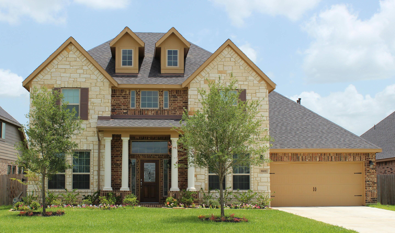 Brookstone New Homes in Mont Belvieu TX