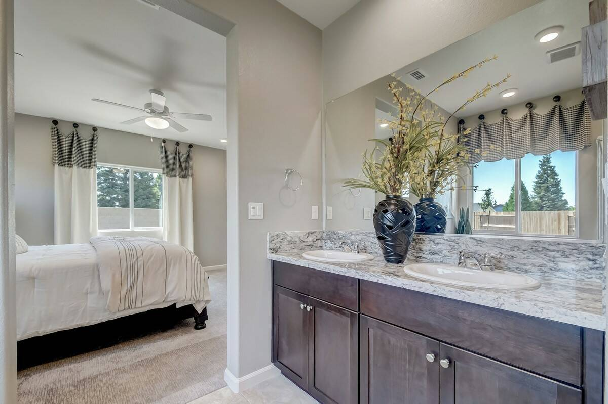 paso fino owners bath new homes in fowler