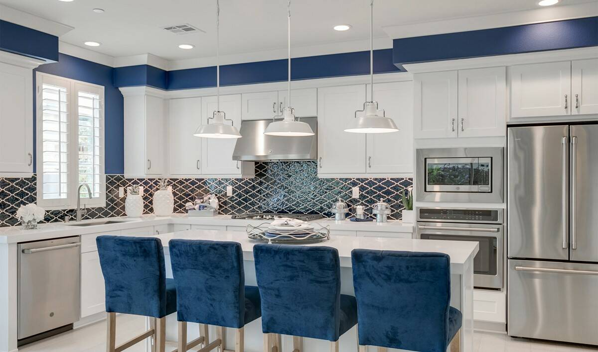 khov_irvine_deco at cadence park_bellerose_kitchen 2
