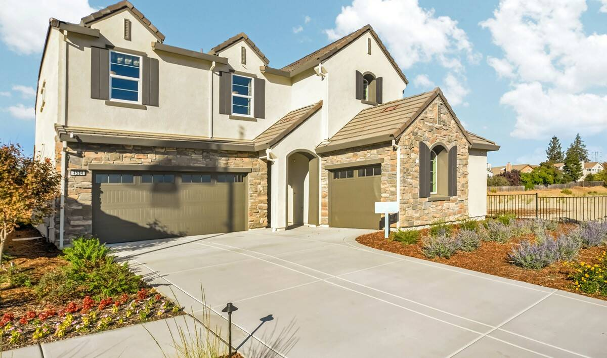 30731_Riverview at Monterra_Lily_Front