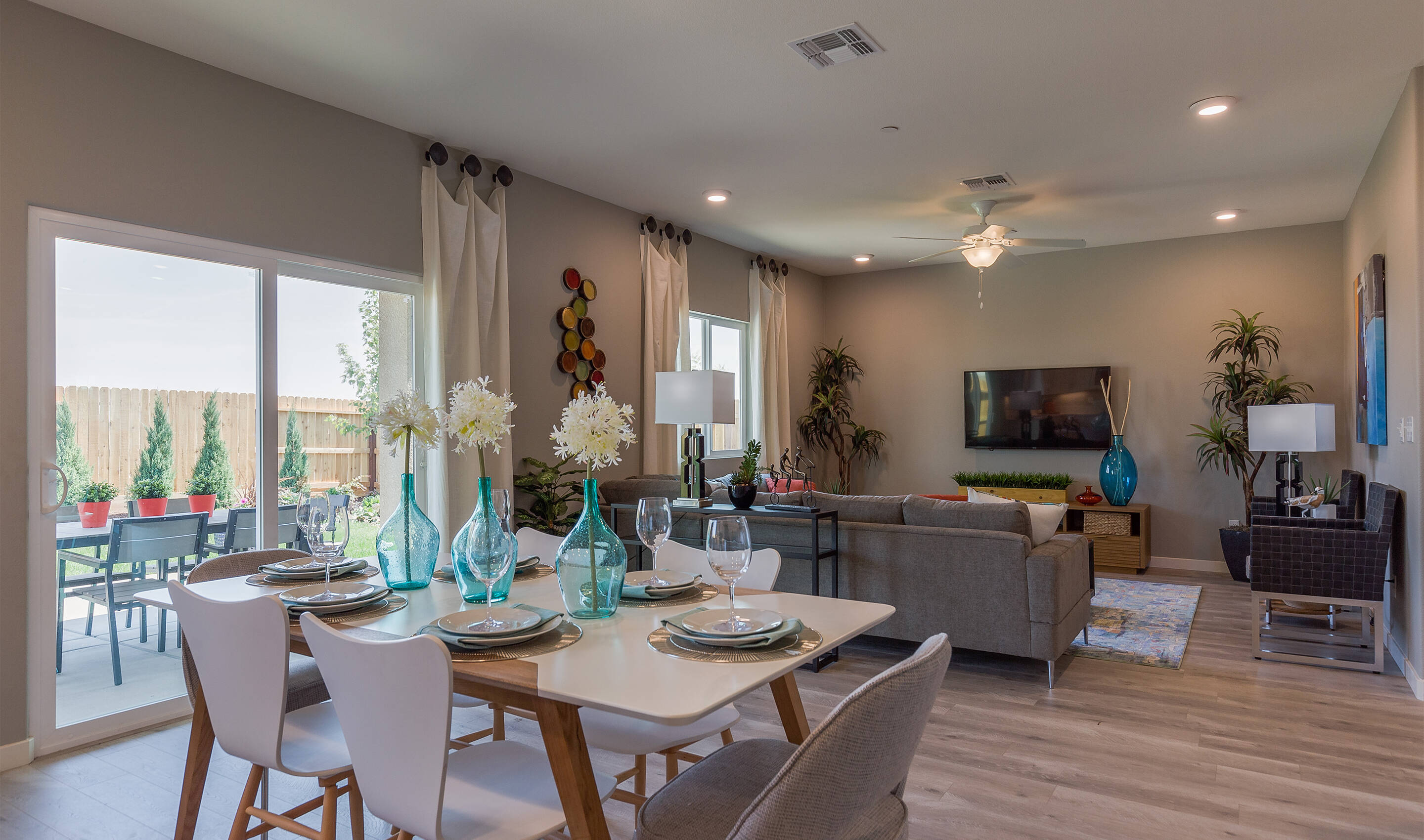khov_sacramento_aspire at sierra vista_primrose_dining area 2