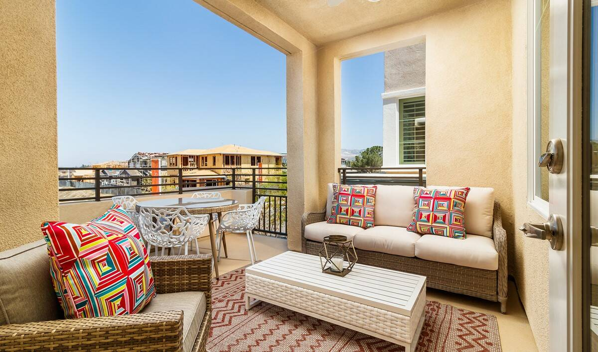 baron-deck-deco-at-cadence-park-new-homes-irvine-ca