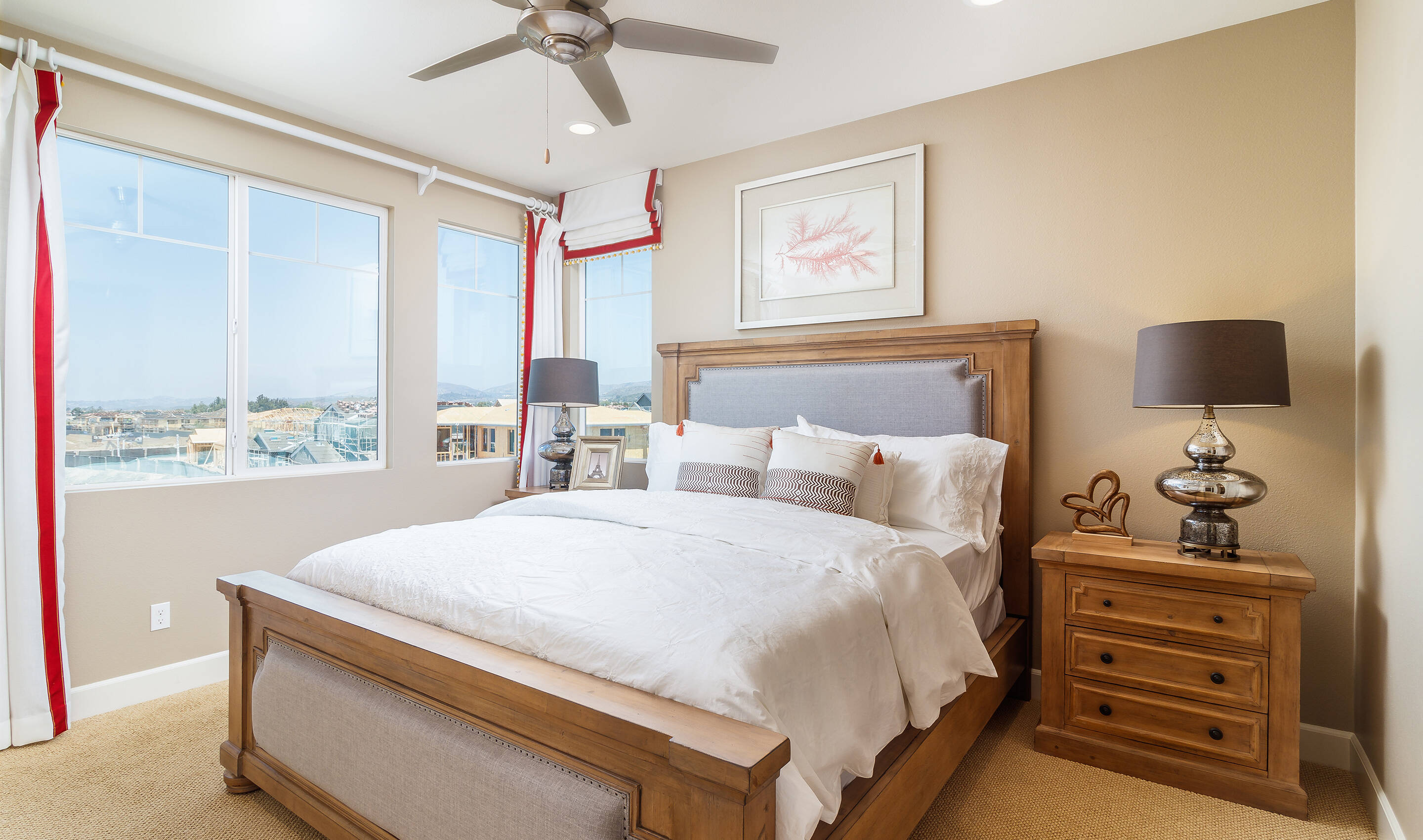 baron-owners-suite-deco-at-cadence-park-new-homes-irvine-ca