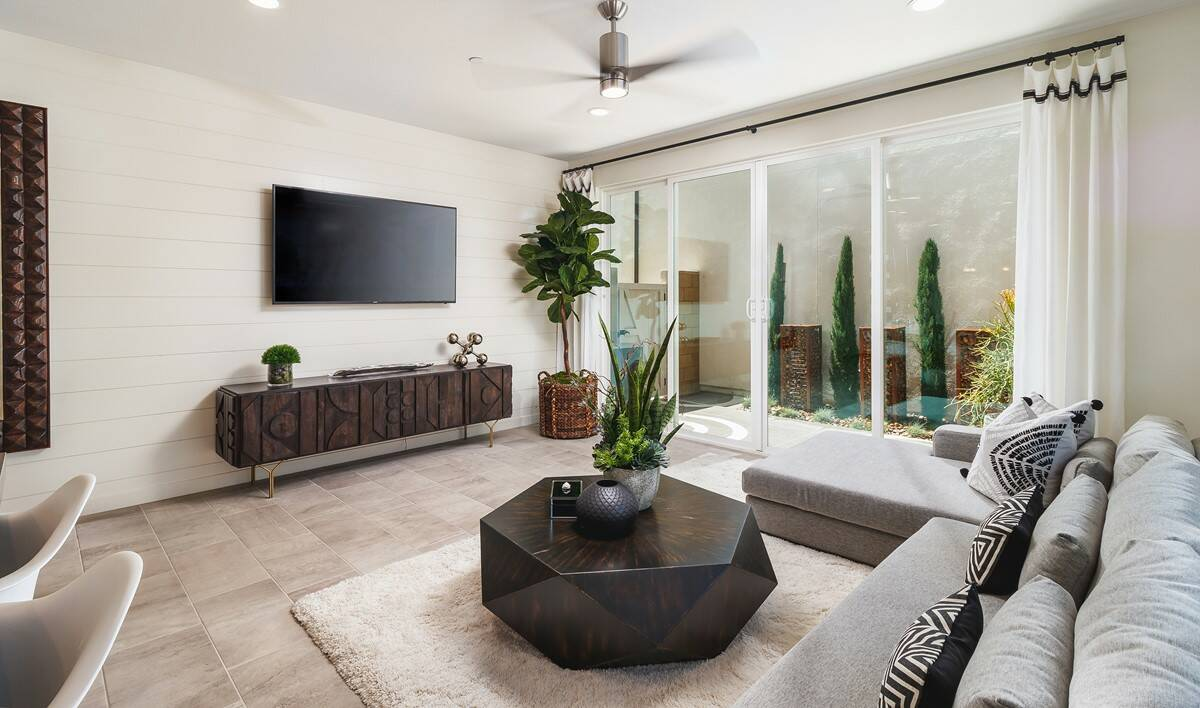 pontiac-gr-to-courtyard-deco-at-cadence-park-new-homes-irvine-ca