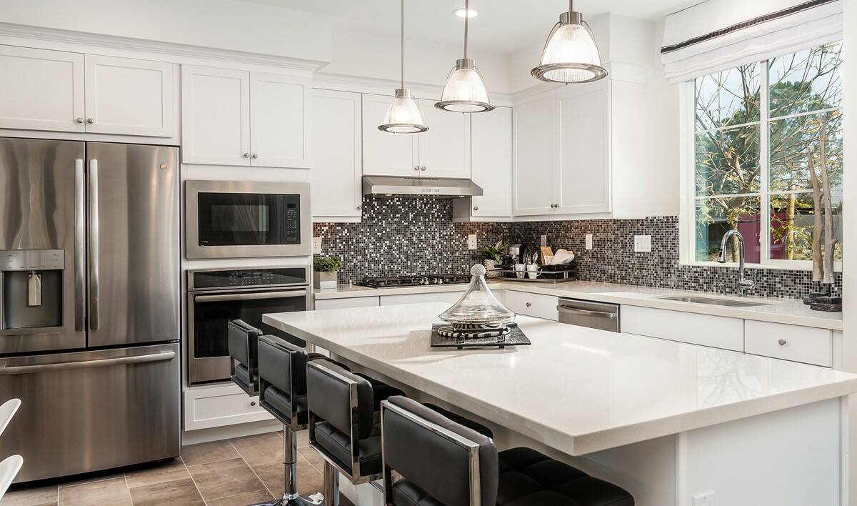 pontiac-kitchen-deco-at-cadence-park-new-homes-irvine-ca