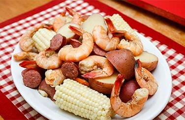 Neighborhood-15--Lowcountry-Boil-Dining-804-x-453