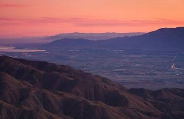 4 58633_Palm Springs at Dusk GettyImages-85977892