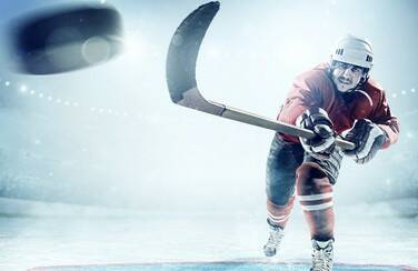 8 805 x 453 58610_Hockey Player GettyImages-495211942