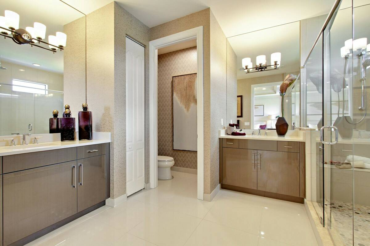 18_owners bathroom bonaire enclave new homes in boca raton