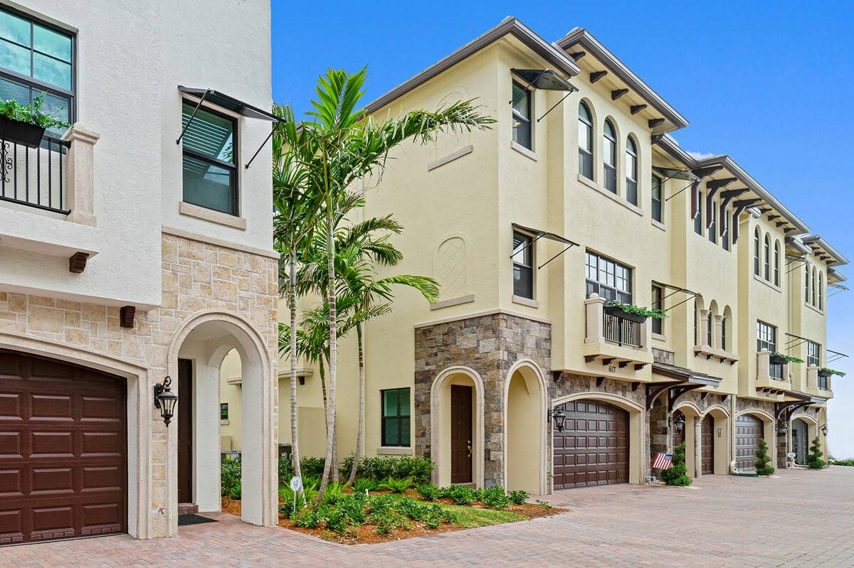 Exterior front townhome photo casa del mar usp