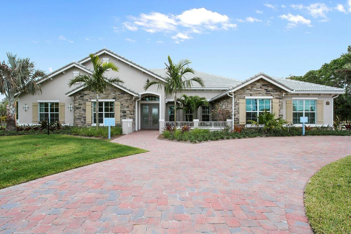 hawthorne tuscan exterior new homes in jupiter florida