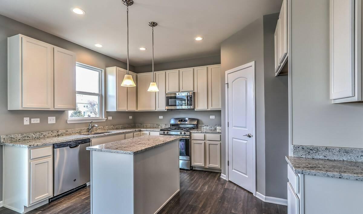 new-homes-oswego-fox-chase-013_Kitchen