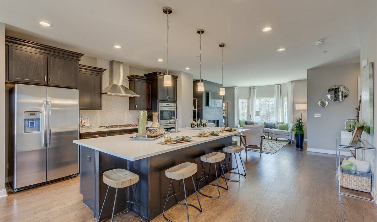 Khov_Chicago_Parkside of Libertyville_Ontario_Erie_Kitchen 1