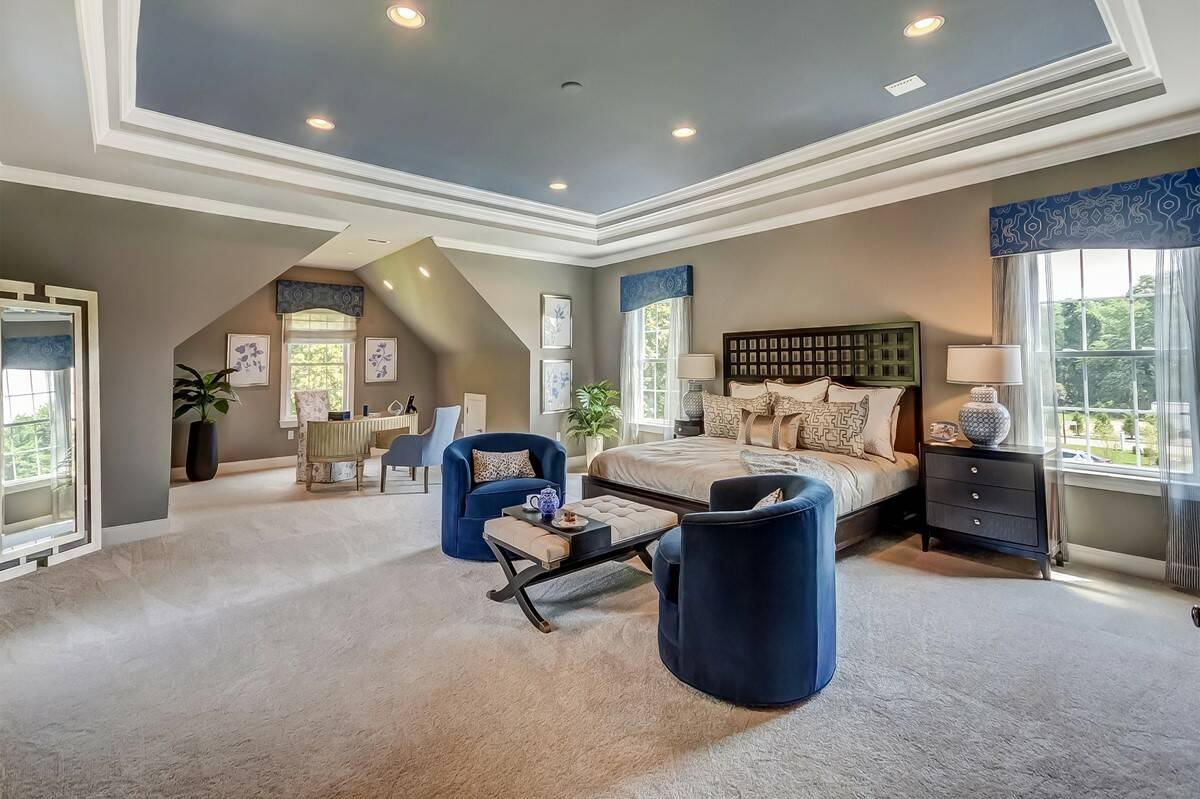 2048x1364khov_tanglewood-estates_boulder-ii_owners-suite