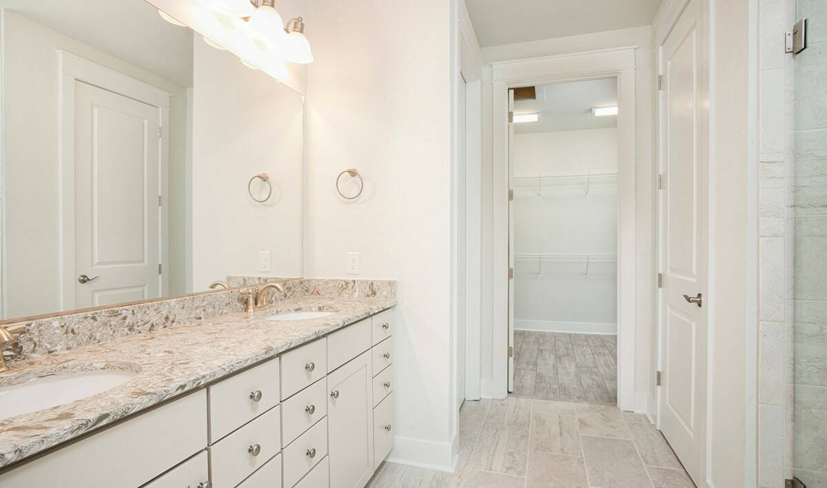 owners bath lille 468 lot 150 new homes at cane bay