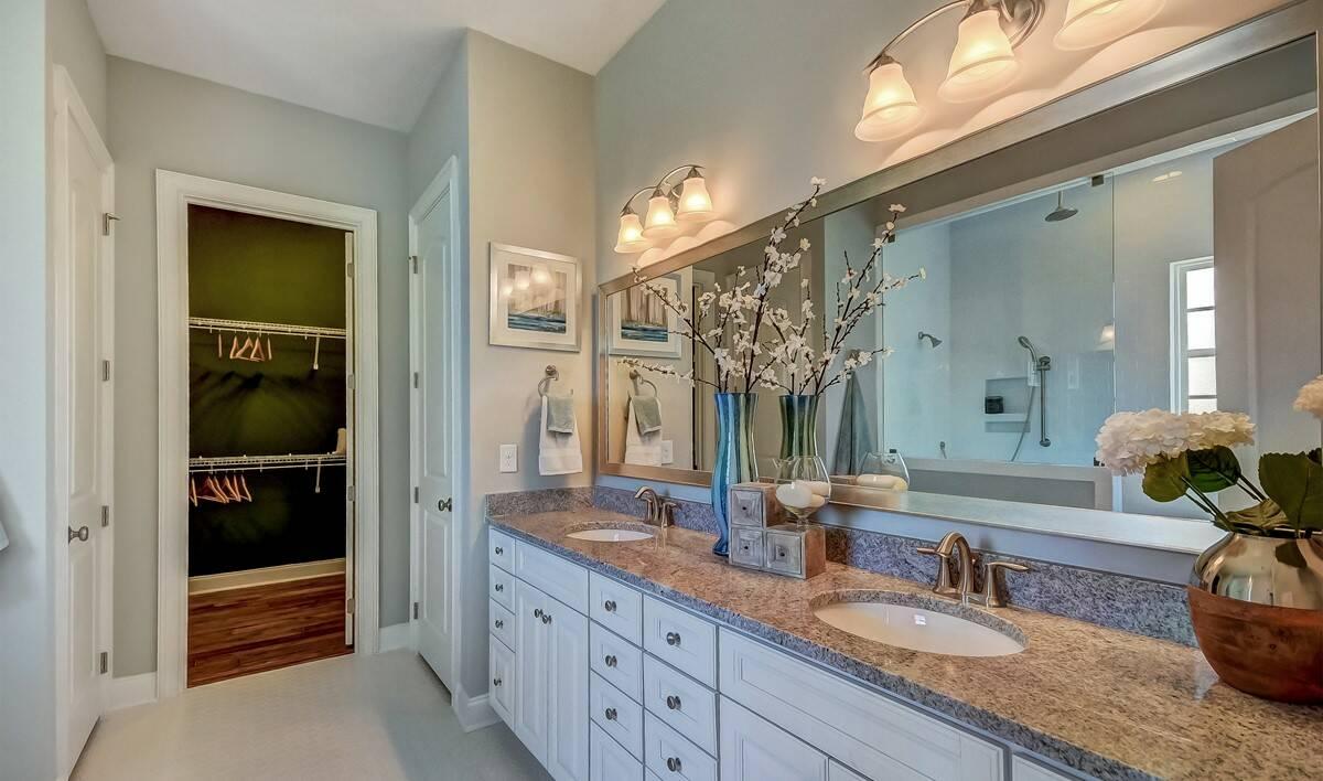 Savannah Quaters Santorini Loft  Owners Suite One Bath-1