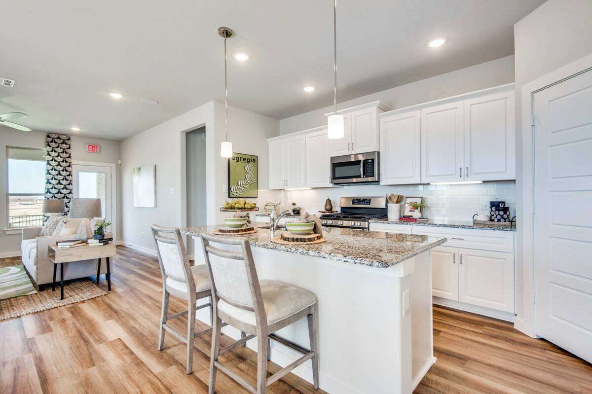 5301 Waterview_Dover II_A44B_C_Kitchen