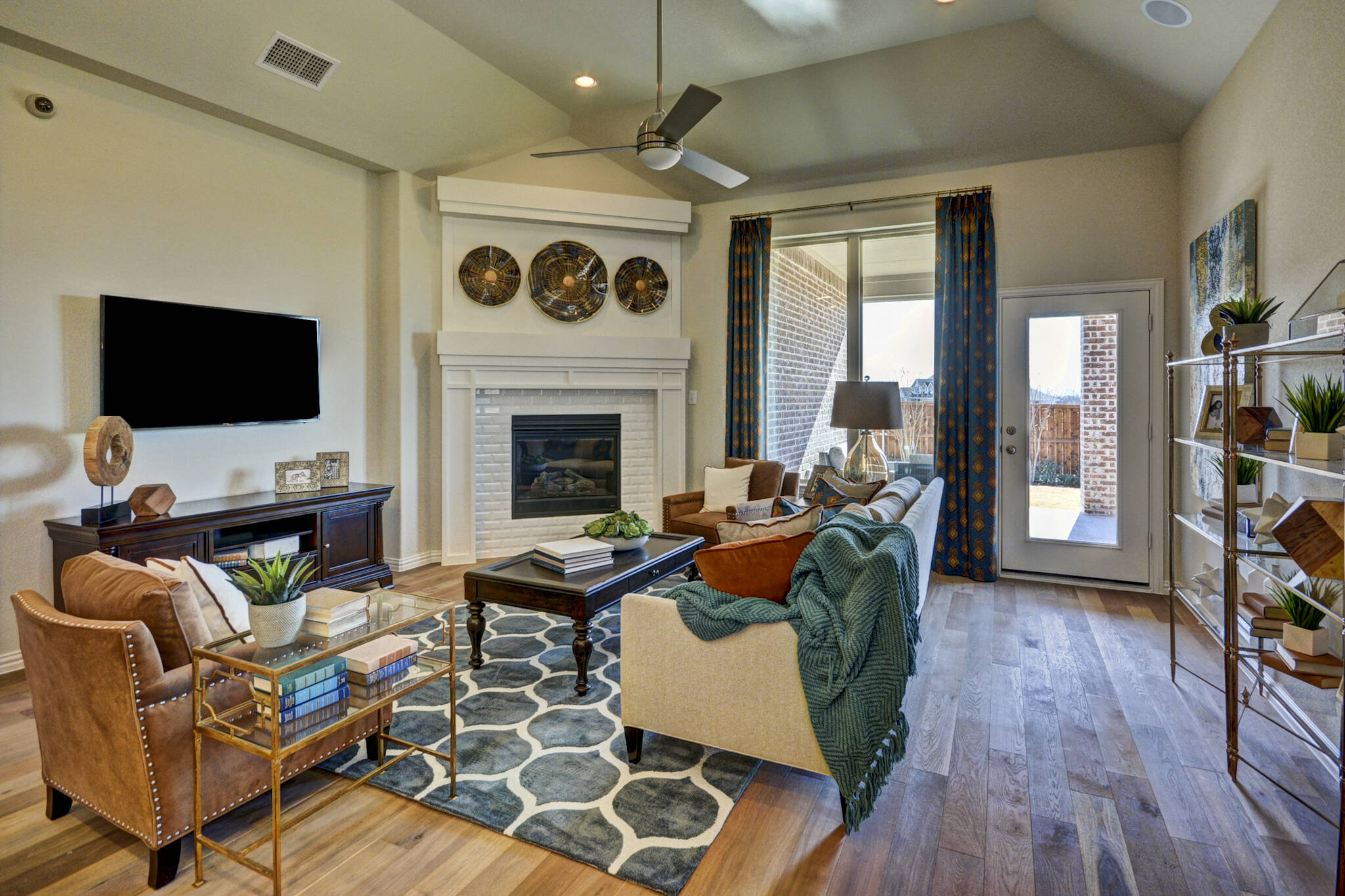 texas- wildridge-lakeway-family room-1la