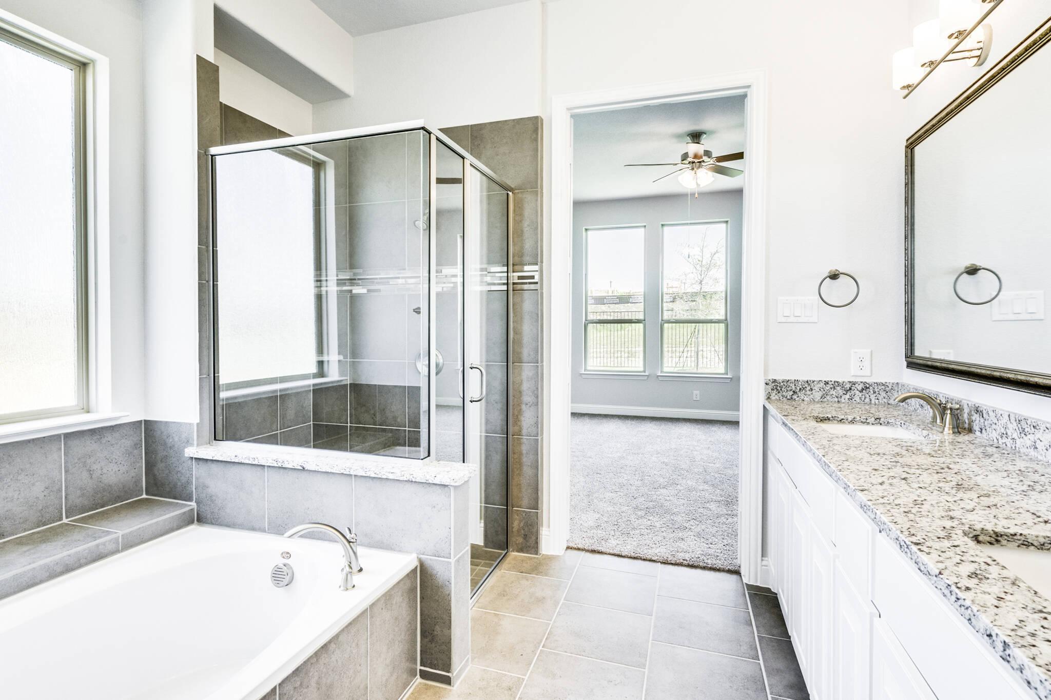 Cooperfield II - owners bath