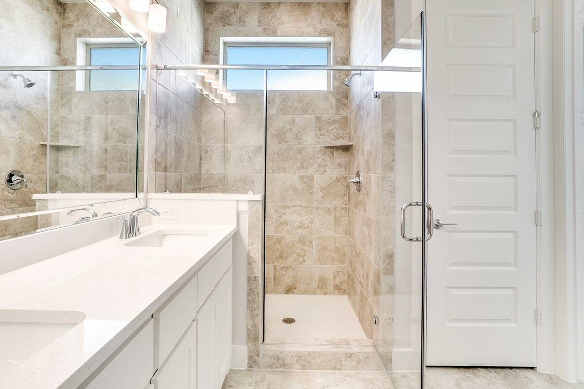 marbella owners shower