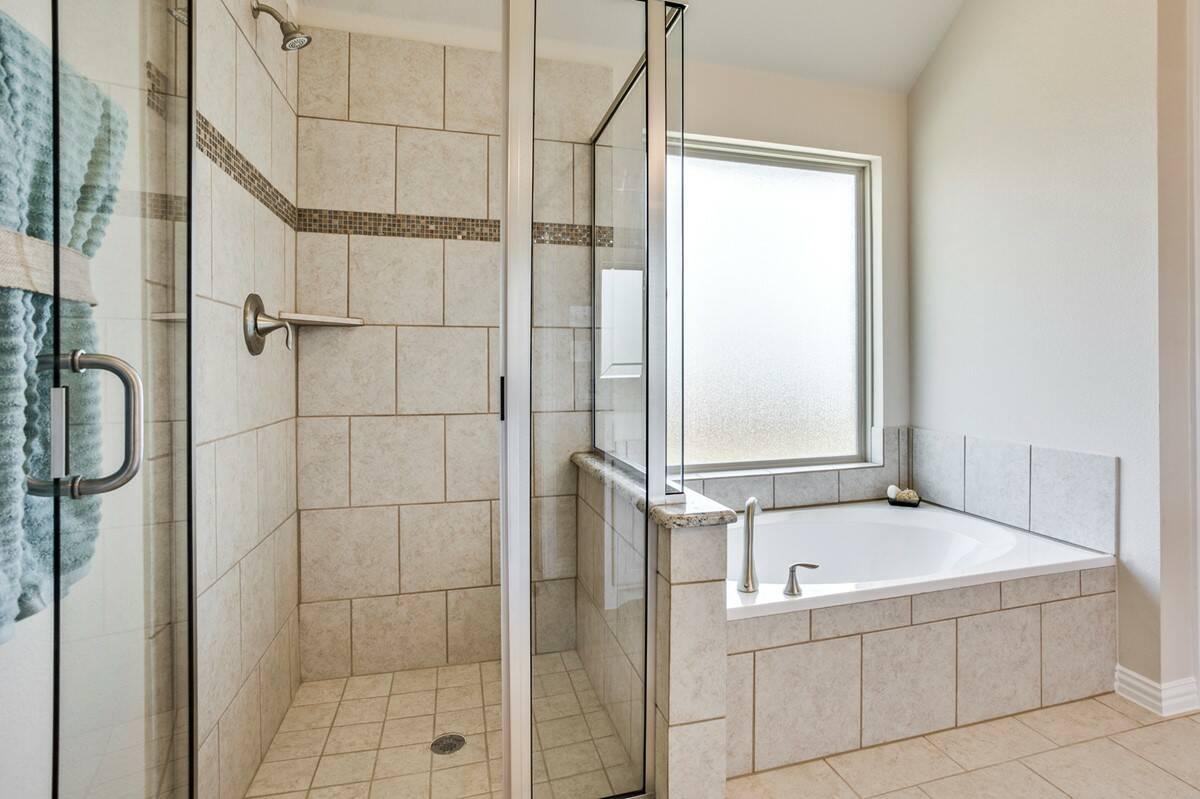 Walden V owners shower