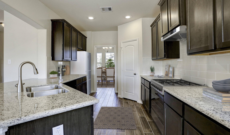 ample-storage-kitchen_brysonII-staged-txhou