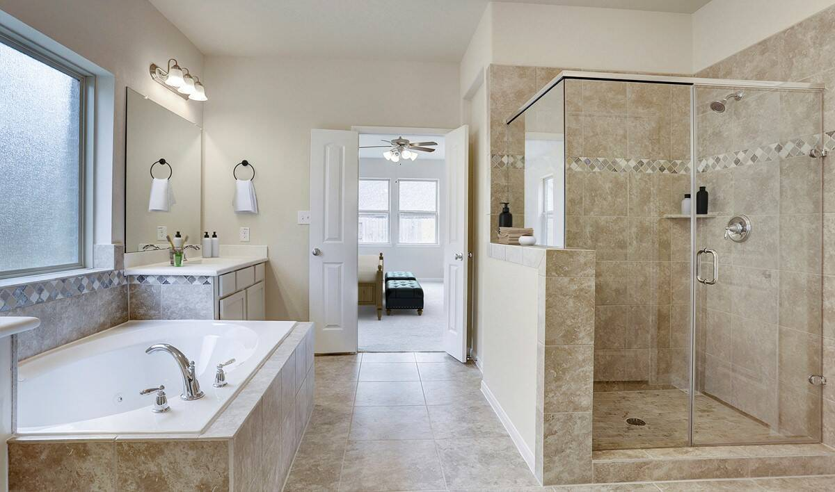 owners-bath_callowayII-staged-txhou