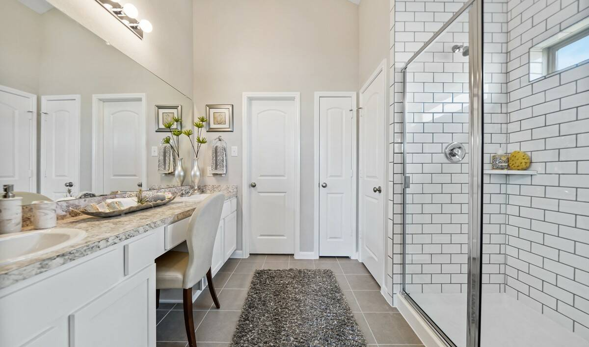 65253_Towne Park Village_Coral_Owner_s Bath