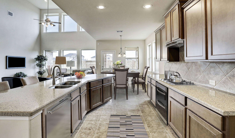 kitchen_eastonII-virtually-staged-txhou