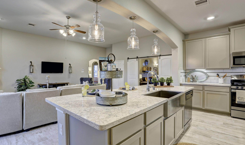 kitchen_juniperII-staged-txhou