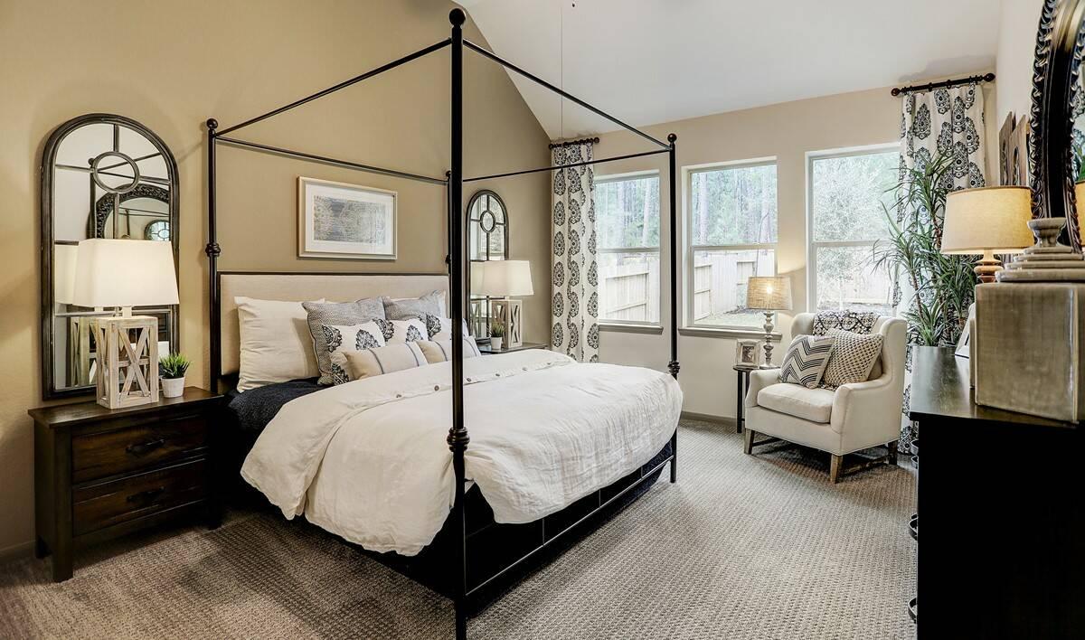 Owners suite_Teralyn Grove Loop 127 IMG 25_1c