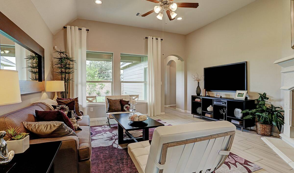 Inland Hill 14007 IMG 07_1_1c-familyroom2