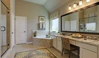 Owner's bath_Prairie Glen 24126 IMG 21_1_1c