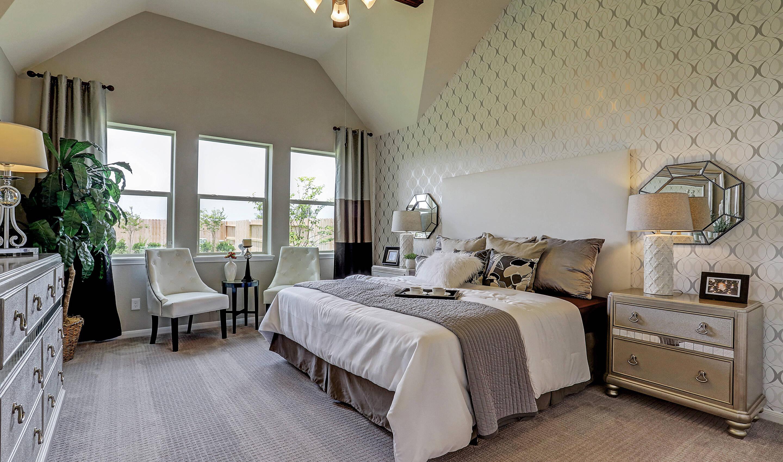 Owner's suite_Prairie Glen 24130 IMG 32_1_1c