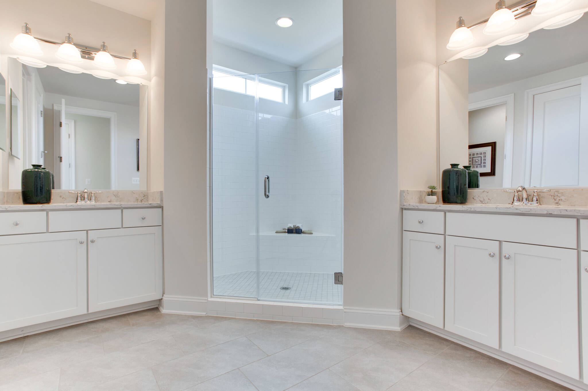 VA_GreensHearthCollection_Avondale_Interior_OwnersBath
