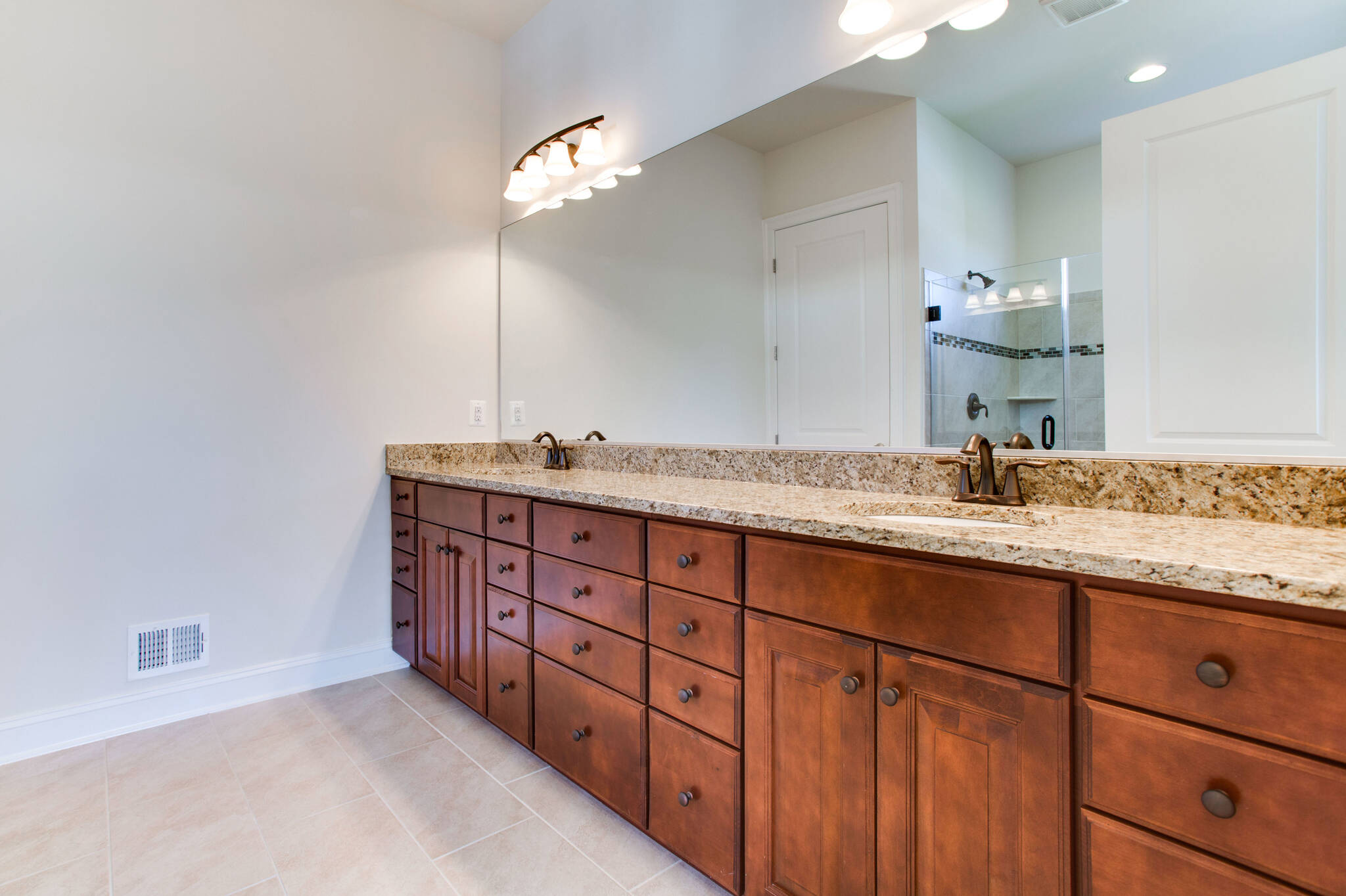 owners bath highbury 25901 lot 9 at greens hearth collection