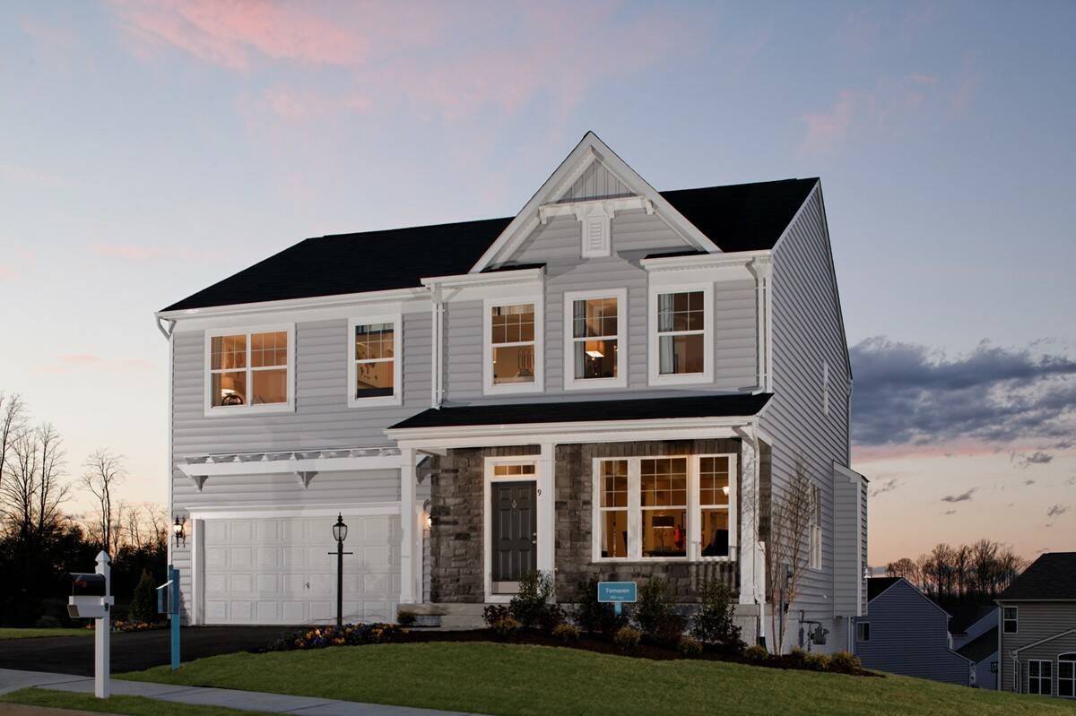 tomasen ef new homes at leeland station in virgina